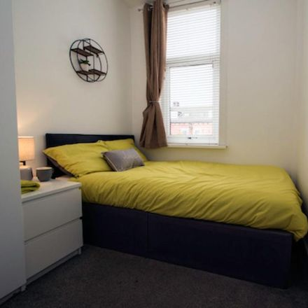 Rent this 1 bed room on Haddon Place in Leeds LS4 2JU, United Kingdom