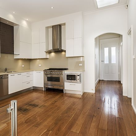 Rent this 3 bed house on 38 MacKenzie Street