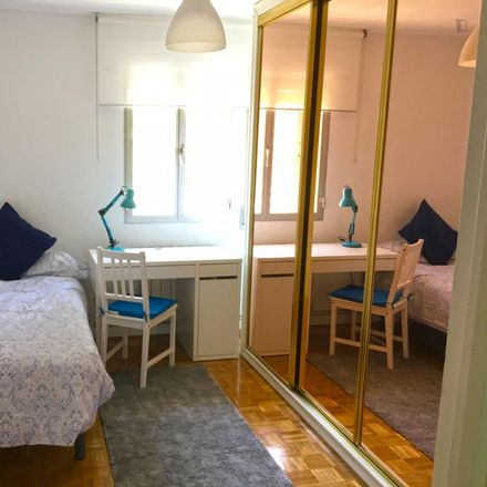 Rent this 3 bed room on Parroquia de Nuestra Señora del Pilar del Campamento in Plaza Patricio Martínez, 5
