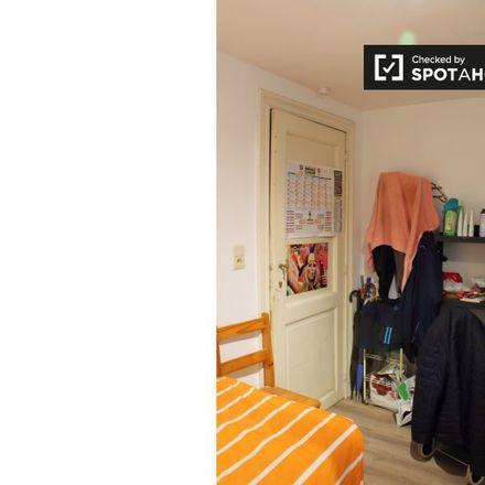 Rent this 10 bed apartment on Rue de l'Abdication - Troonsafstandsstraat 5 in 1000 Ville de Bruxelles - Stad Brussel, Belgium