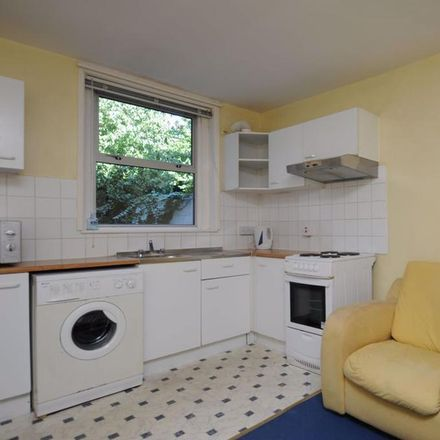 Rent this 2 bed apartment on East Avenue in Oxford OX4 1XR, United Kingdom