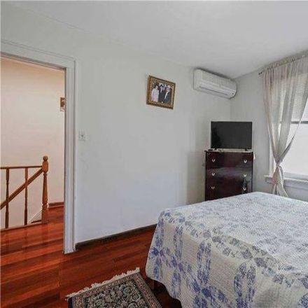 Rent this 3 bed house on 147-37 Coolidge Avenue in New York, NY 11435
