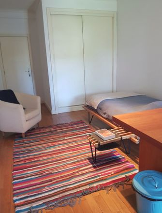 Rent this 4 bed room on R. António Gedeão in 2750 Aldeia de Juzo, Portugal