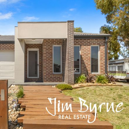 Rent this 3 bed house on 11 Howe Way