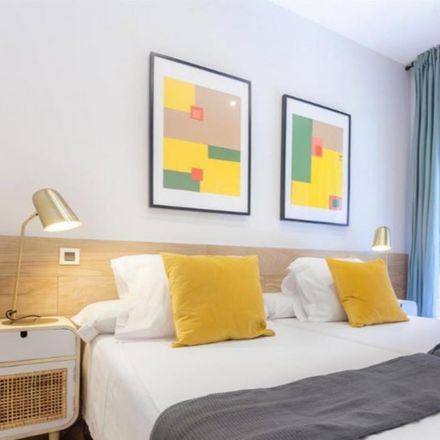 Rent this 2 bed room on Calle Iriarte in 45, 28028 Madrid