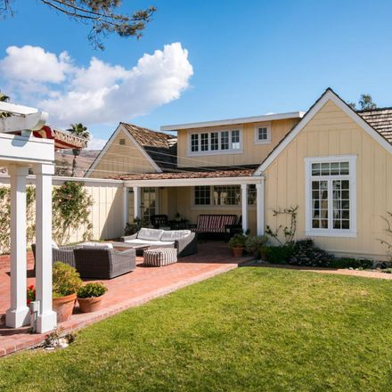 Rent this 4 bed house on Rincon Rd in Carpinteria, CA