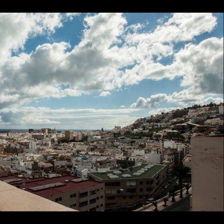 Rent this 1 bed room on Calle Capitán Eliseo López Orduña in 3004 Las Palmas de Gran Canaria, Spain