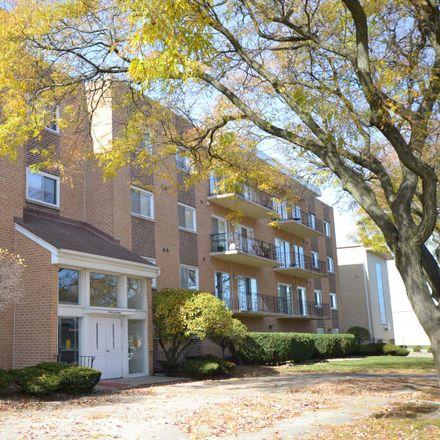 Rent this 3 bed condo on 9620 South Komensky Avenue in Oak Lawn, IL 60453
