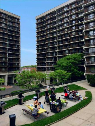 Rent this 3 bed condo on 38 Union Tpke in Flushing, NY