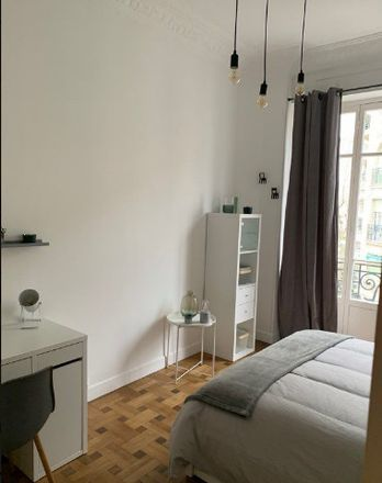 Rent this 3 bed room on Rue Châteauneuf in 06000 Nice, France