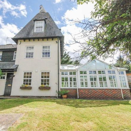 Rent this 5 bed house on Pratts Bottom Outhouses in Rushmore Hill, London BR6 7NG