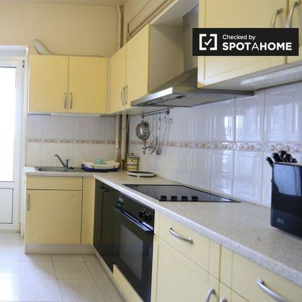 Rent this 2 bed apartment on Avenue des Cerisiers - Kerselarenlaan in 1200 Woluwe-Saint-Lambert - Sint-Lambrechts-Woluwe, Belgium