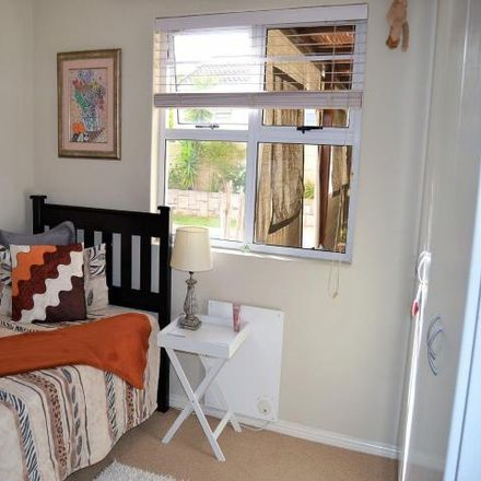 Rent this 3 bed house on McDonald's in Wellington Road, Cape Town Ward 112