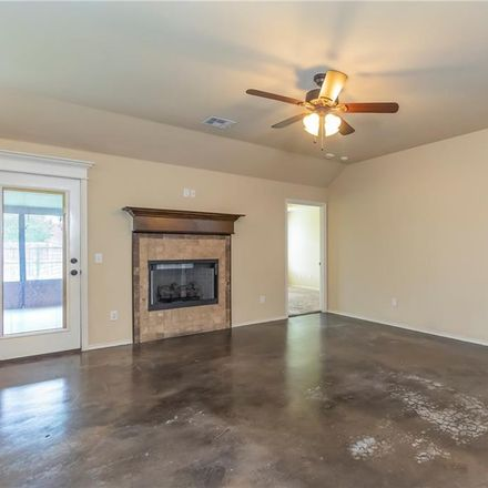 Rent this 1550 bed house on 2201 Southeast 5th Street in Moore, OK 73160