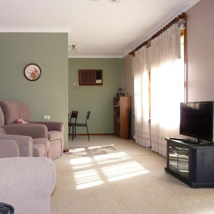 Rent this 1 bed apartment on 1/11 Stannett Street