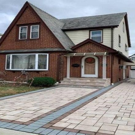 Rent this 3 bed house on 2 Huron Road in Hempstead, NY 11001