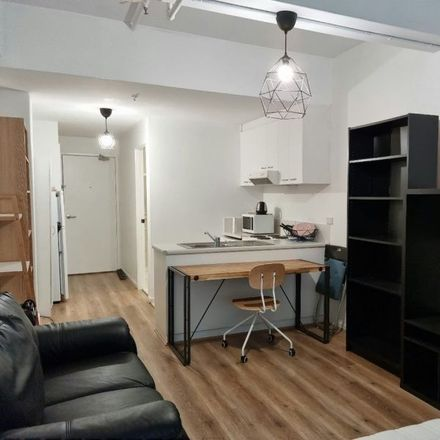 Rent this 1 bed apartment on 909/408 Lonsdale Street