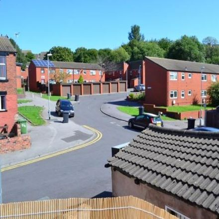 Rent this 3 bed apartment on Angelos Pizza in 28 Woodsley Road, Leeds LS3 1DT