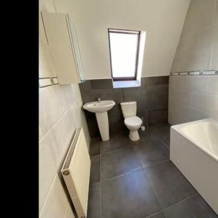 Rent this 5 bed apartment on McDonald's in Houldsworth Street, Glasgow G3 8EH