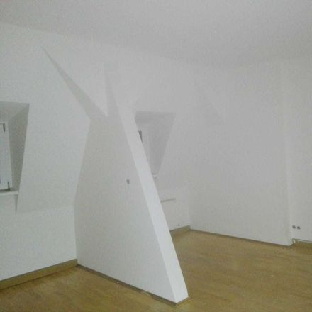 Rent this 3 bed apartment on Fuchsklamm 25 in 07548 Gera, Germany
