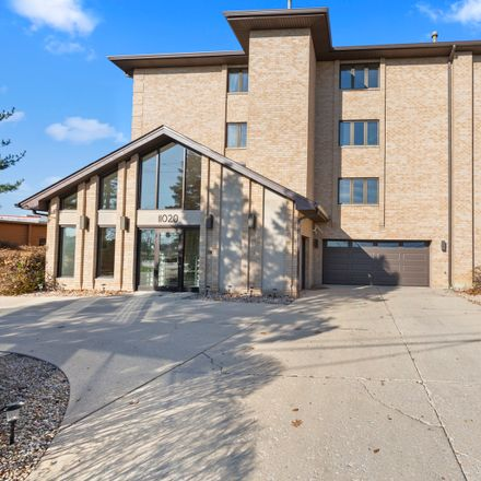 Rent this 2 bed condo on 11020 South Keating Avenue in Oak Lawn, IL 60453
