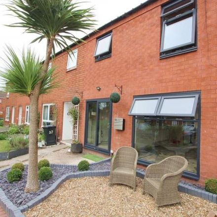 Rent this 3 bed house on Oxmead Close in Longbarn, Warrington