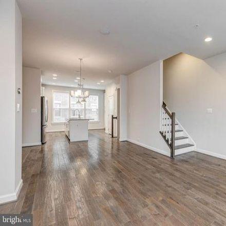 Rent this 3 bed condo on 5711 11th Street North in Arlington, VA 22205