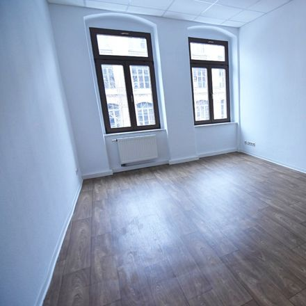 Rent this 5 bed apartment on Zwickauer Straße 340 in 09116 Chemnitz, Germany