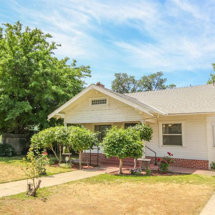 Rent this 3 bed house on 220 South I Street in Madera, CA 93637