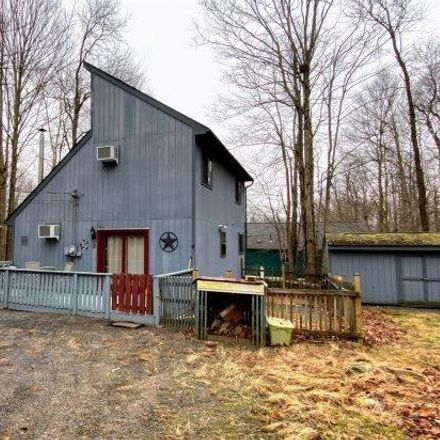 Rent this 4 bed house on Winnebago Dr in Pocono Lake, PA