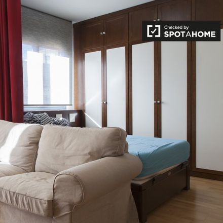 Rent this 1 bed apartment on Calle de Eduardo Marquina in 28001 Madrid, Spain