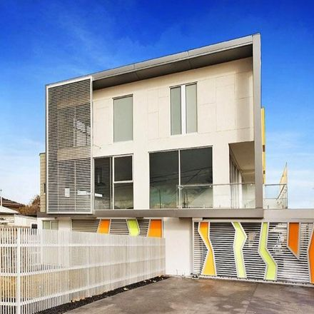 Rent this 2 bed townhouse on 5/87 Bulla Road