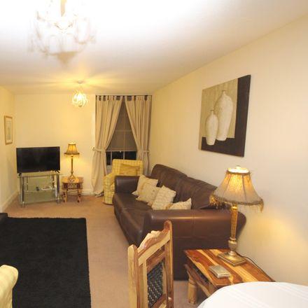1 Bed Apartment At 8 St Patrick Square Edinburgh Eh8 9ey
