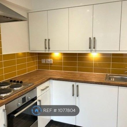Rent this 3 bed apartment on The Shires in Luton LU2 7PX, United Kingdom