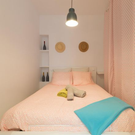 Rent this 1 bed apartment on Roll in Calle de Amaniel, 23