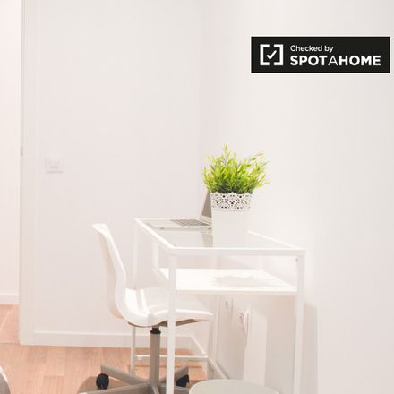 Incredible Apartment At Ibis Budget Madrid Centro Lavapies Calle De Machost Co Dining Chair Design Ideas Machostcouk