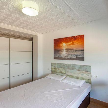 Rent this 3 bed room on Carrer de Berenguer Montoliu in 5, 46011 Valencia