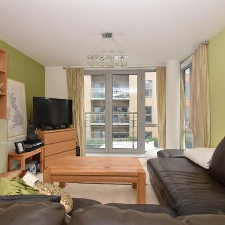 Rent this 1 bed apartment on Historic Dockyard Parking in Bonfire Corner, Portsmouth PO1 3GQ