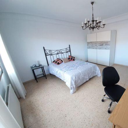 Rent this 5 bed room on Calle Marqués de la Ensenada in 9, 26003 Logroño
