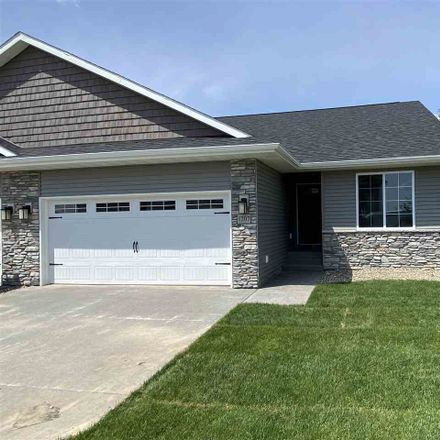 Rent this 3 bed house on Creekside Drive in Tiffin, IA 52340