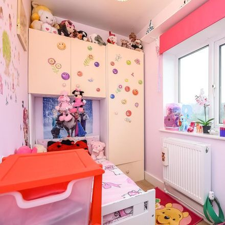 Rent this 2 bed house on Badgemore Pre-school in Hop Gardens, South Oxfordshire RG9 2ER