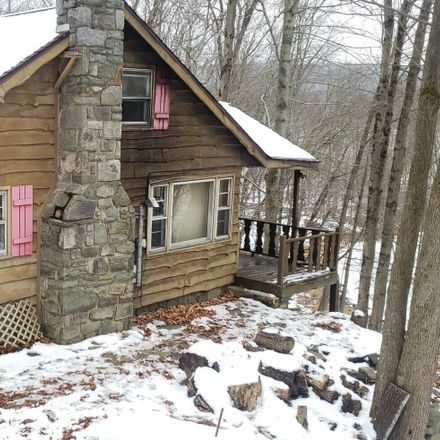 Rent this 3 bed house on 949 Ledgedale Rd in Lake Ariel, PA