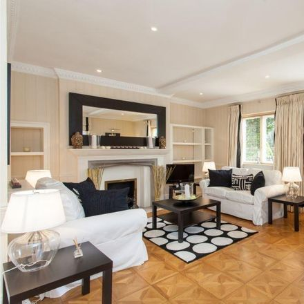 Rent this 3 bed house on 71 Frognal in London NW3 6XD, United Kingdom