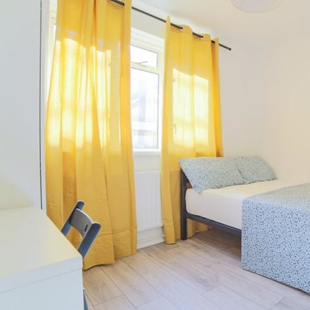 Rent this 3 bed apartment on Anson House in Shandy Street, London E1 4ST