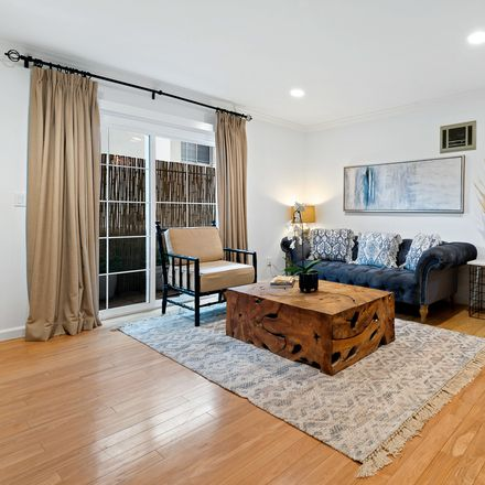 Rent this 1 bed condo on 3645 Westwood Boulevard in Los Angeles, CA 90034