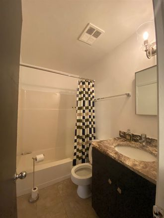 Rent this 2 bed condo on 142 North Auburndale Street in Memphis, TN 38104