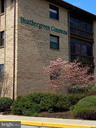 Rent this 3 bed apartment on Heather Ct in Wilmington, DE