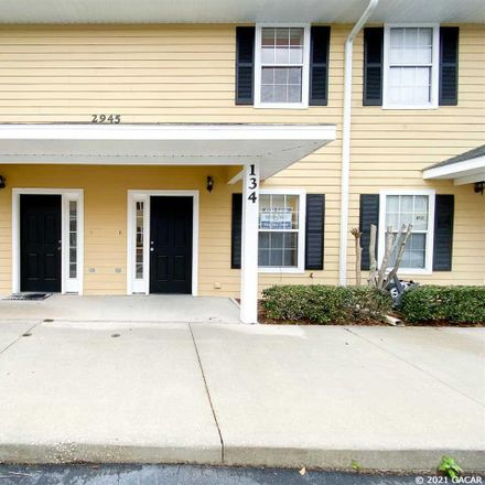 Rent this 2 bed townhouse on SW 35 Pl in Gainesville, FL