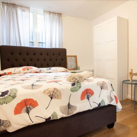 Rent this 8 bed room on 284A Meserole Street in New York, NY 11206