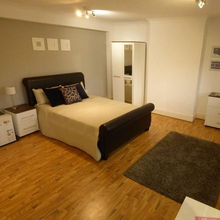 Rent this 1 bed room on Casino Slots in Unit 1, 17 Wellington Street
